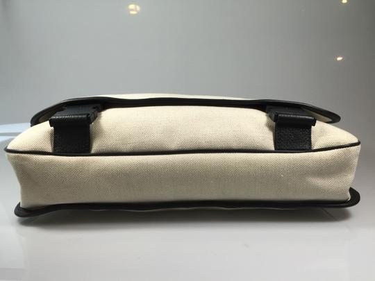Gucci Canvas Ivory Off-White Messenger Bag