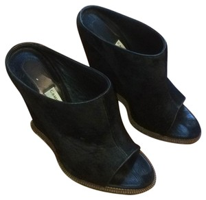 Camilla Skovgaard Black Wedges