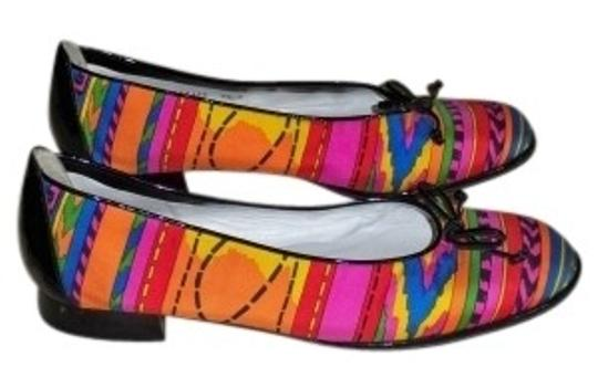Preload https://item5.tradesy.com/images/stuart-weitzman-multi-color-shoestring-patent-leather-trim-flats-size-us-95-regular-m-b-16409-0-0.jpg?width=440&height=440