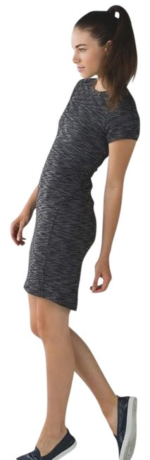 Item - Heathered Green &go Where-to Mid-length Short Casual Dress Size 4 (S)