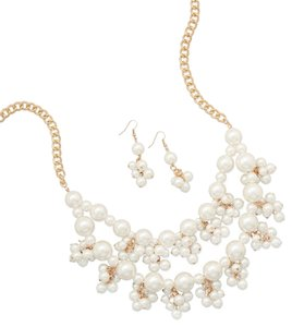Handmade Handmade Pearl and Gold-Plated Cluster Chain Necklace Set
