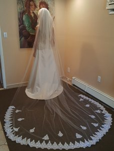 Gorgeous Cathedral Veil White 108