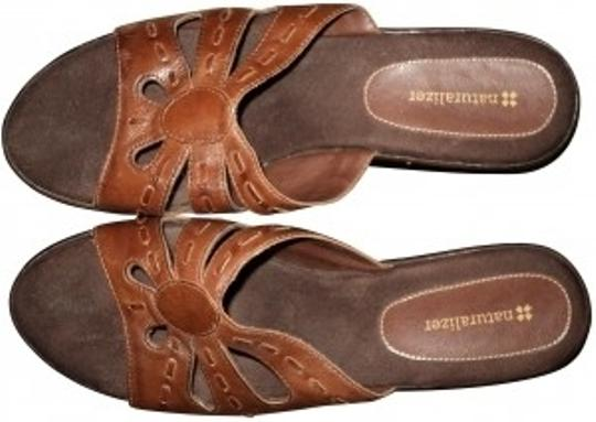 Naturalizer Leather tan Sandals