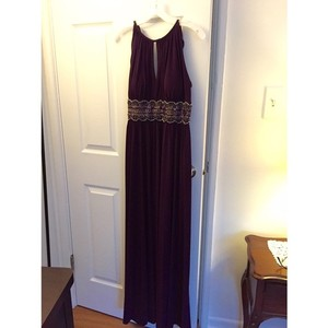 David's Bridal Plum Purple Formal Bridesmaid/Mob Dress Size 8 (M)