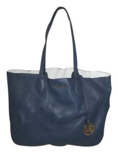 Michael Kors Next Day Shipping Tote in Navy / White