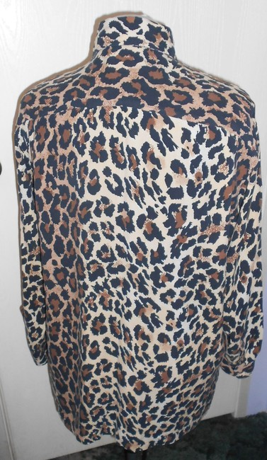 Clio Silk Top Ivory with leopard print