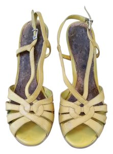 Gianni Bini Wedge Platform Summer Yellow Wedges