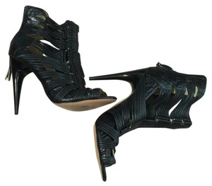 L.A.M.B. Black leather Sandals