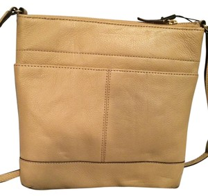 fe972fc61 Calvin Klein Cross Body Bags - Up to 70% off at Tradesy (Page 2)