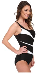 Miraclesuit Miraclesuit Solid Helix Swimsuit (DD Cup) Black White Swim Suit Slimmer Size 12