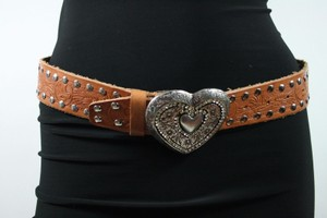 Streets Ahead Streets Ahead Tan Leather Silver-tone Rounded Studs Heart Buckle Belt