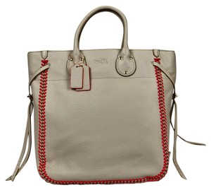 Coach Hang Tags Stitch Leather Tote in Chalk