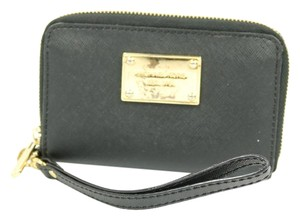 Michael Kors Wrist Strap Mk Plaque Wristlet in black