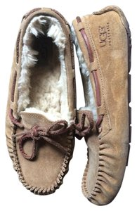 UGG Australia Dakota Moccasin Slipper Chestnut Flats