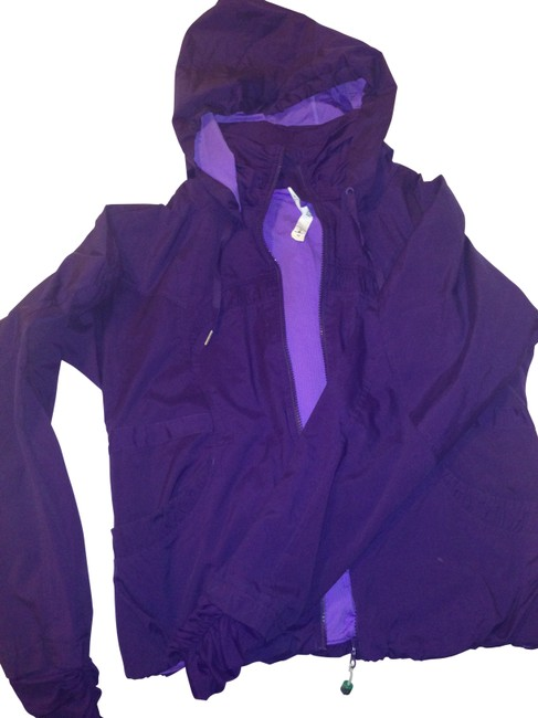 Preload https://item3.tradesy.com/images/lululemon-purple-activewear-size-10-m-31-164382-0-0.jpg?width=400&height=650