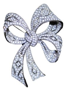 Kenneth Jay Lane Kenneth Jay Lane Bow Brooch