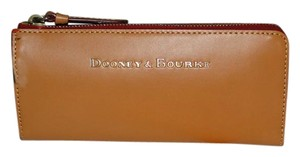Dooney & Bourke Dooney & Bourke Montecito Zip Clutch Wallet