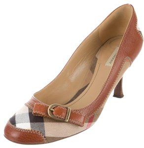 Burberry Round Toe Nova Check Plaid Monogram Gold Hardware Beige, Brown Pumps