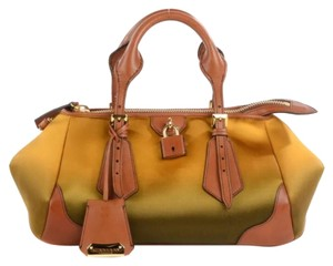 Burberry Satchel in Yellow