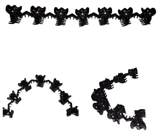 Preload https://img-static.tradesy.com/item/1644195/black-attached-clips-for-hair-accessory-0-0-540-540.jpg
