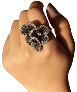 Express Black 3 Floral Ring