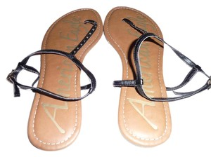 American Eagle Outfitters Black and Tan Sandals
