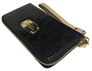 Michael Kors Flat Jet Set Iphone Wristlet in Mirror Metallic Black