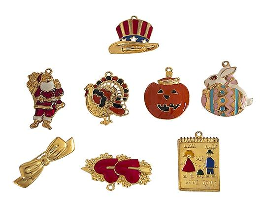 Tofa TOFA 8 Piece Holiday Charm and Pin Set. Image 1