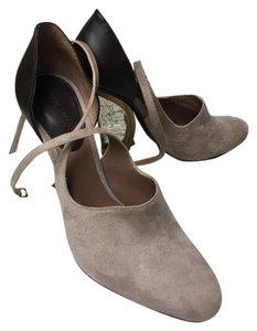 Giorgio Armani Beige & brown Pumps