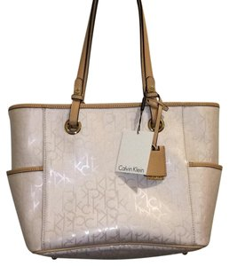 Calvin Klein Tote in White And Beige