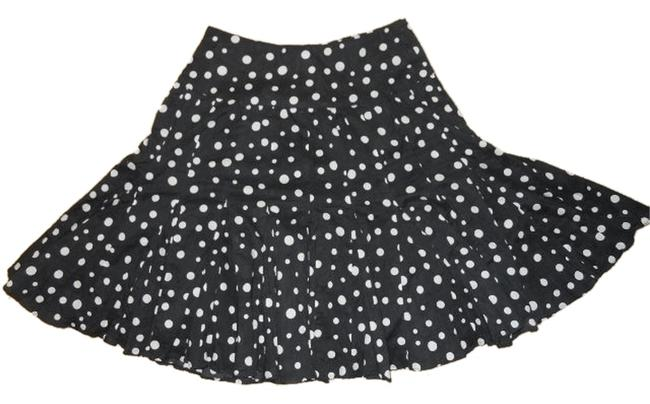 Preload https://item4.tradesy.com/images/inc-international-concepts-black-and-white-ps-knee-length-skirt-size-petite-2-xs-1644743-0-0.jpg?width=400&height=650