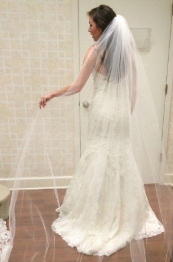 Monique Lhuillier Ivory Lace Florence Traditional Wedding Dress Size 4 (S)