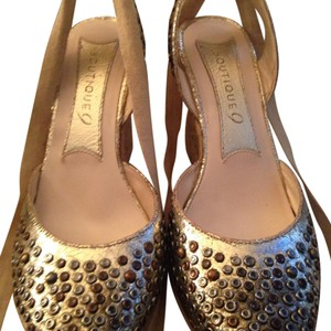 Boutique 9 Tan/bronze/gold/silver Wedges