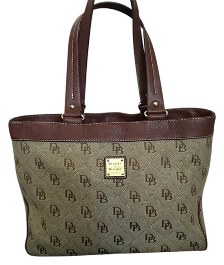 Preload https://img-static.tradesy.com/item/16448725/dooney-and-bourke-large-leather-brown-tote-0-1-540-540.jpg