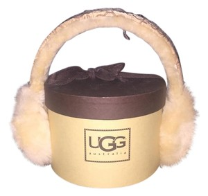 UGG Australia New no Tags- UGG Earmuffs