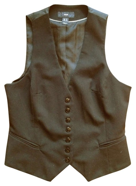 Preload https://item4.tradesy.com/images/h-and-m-black-vest-size-6-s-164503-0-0.jpg?width=400&height=650