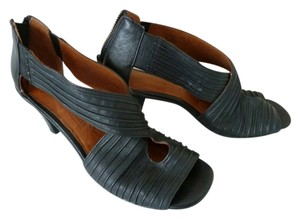 Kenneth Cole Leather Black Sandals