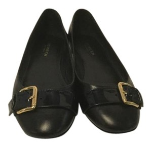 Louis Vuitton Gold Buckle Black leather Flats