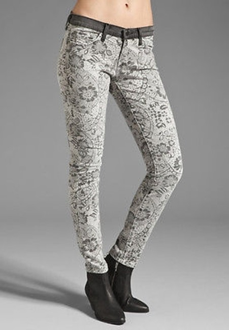 Preload https://img-static.tradesy.com/item/16451401/current-elliott-jeans-the-ankle-skinny-in-light-grey-lace-floral-0-0-650-650.jpg
