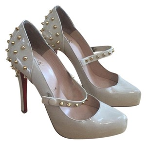 Louis Vuitton Beige Pumps