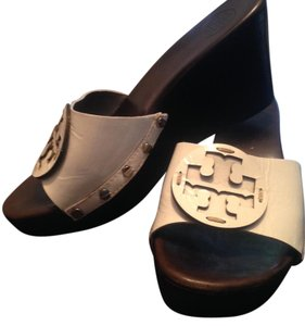 23c6fa63ff232 Tory Burch Wedges on Sale - Up to 70% off at Tradesy