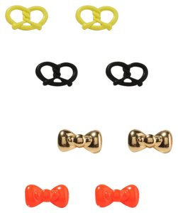 Hello Kitty Hello Kitty Onch Movement Earrings Studs