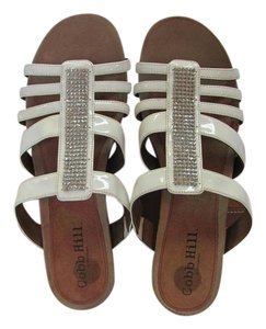 Cobb Hill Size 11.00 Narrow Very Good Condition White Sandals