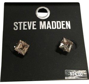Steve Madden NWT Steve Madden Sparkly Stud Earrings