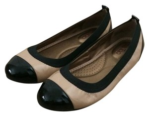 Me Too Black and Taupe Flats