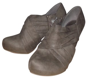 505c18f00381 Mossimo Supply Co. tan Boots. Mossimo Supply Co. Tan Varana Boots Booties  Size US 7.5 Regular (M ...