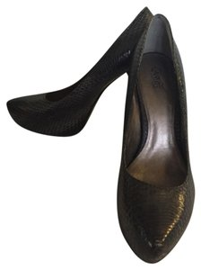 Carlos by Carlos Santana Gray Snake Skin Pumps