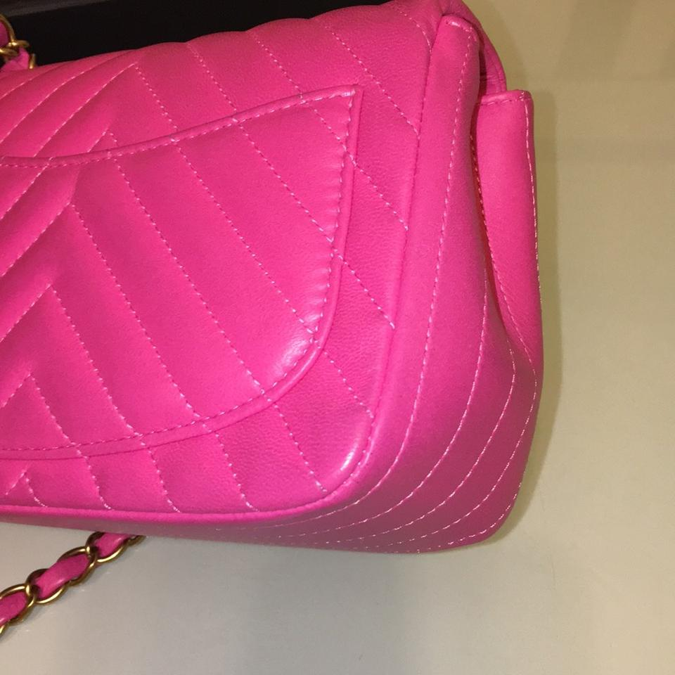 024a03615f69 Chanel Mini Chevron Classic Gold Hardware Fuschia/Hot Pink Lambskin Cross  Body Bag - Tradesy