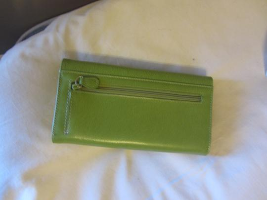 Liz Claiborne Id Place Leather Wallet Rich Elegant Wristlet in FRESH GREEN, APPLE GREEN Image 4