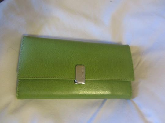 Liz Claiborne Id Place Leather Wallet Rich Elegant Wristlet in FRESH GREEN, APPLE GREEN Image 5